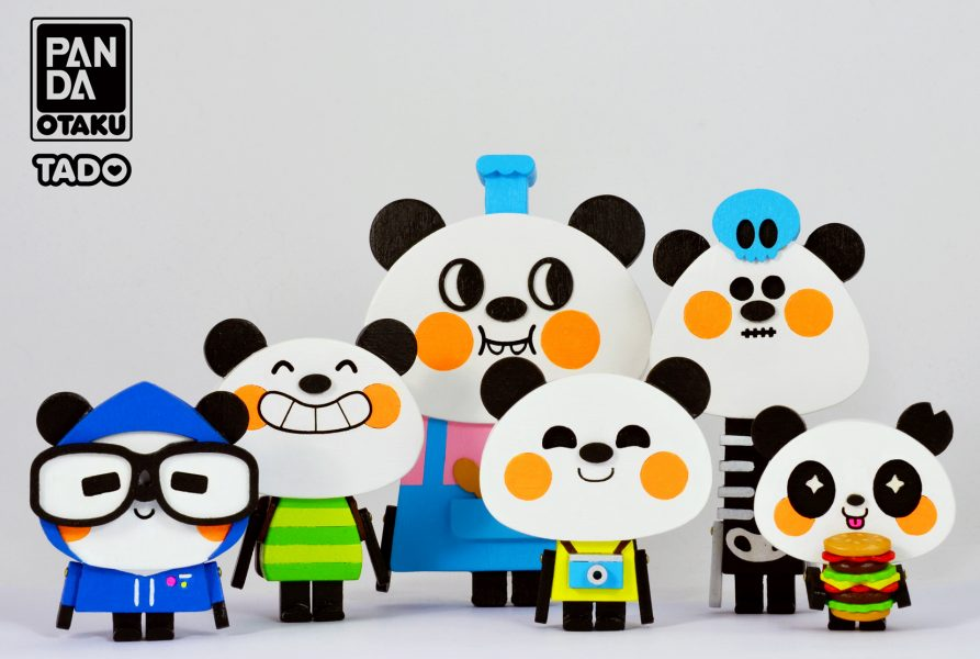 Pandas Otaku Family